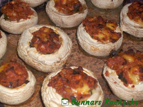 Vegetarisch gefüllte Champignons