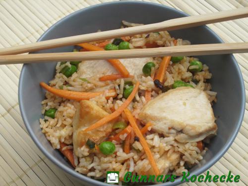 Chinesischer Bratreis mit Hühnerbrust
