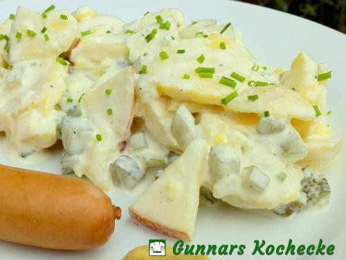 Kartoffelsalat mit Apfel und Gurke