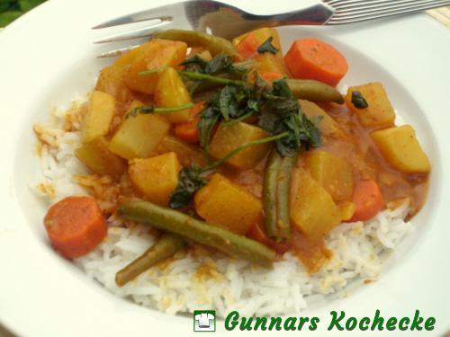 Kartoffel-Curry mit Kohlrabi, Möhren und Grünen Bohnen