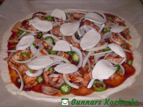 Barbecue Chicken Pizza (vor dem Backen)