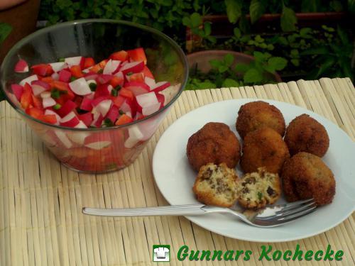 Rindfleisch-Käse-Kroketten mit Paprika-Radieschen-Salat