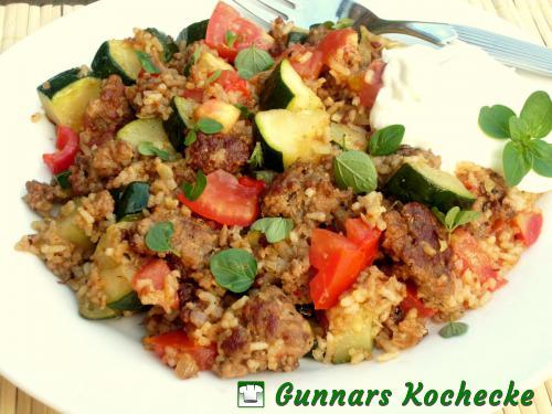 Reispfanne mit Zucchini und Hackfleisch
