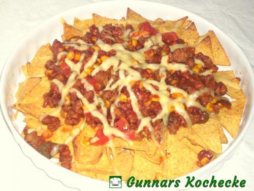 Überbackene Tortilla-Chips mit BBQ-Hackfleisch-Mais-Sauce
