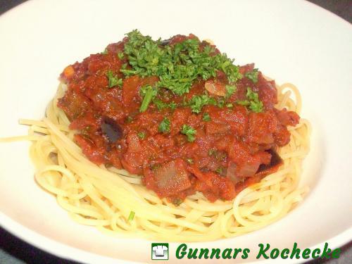 Spaghetti mit Auberginen-Tomaten-Sauce