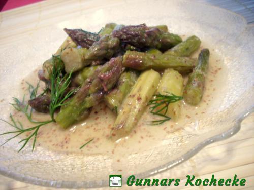 Salat von gebratenem Grünen Spargel mit Senf-Dill-Vinaigrette