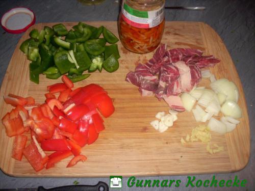 Paprika, Bambus, Rindfleisch, Zwiebeln, Knoblauch und Ingwer