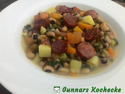 Foto Schwarzaugenbohnen-Eintopf mit Spinat und Chorizo