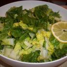 Grüner Salat mit Zitronen-Dressing